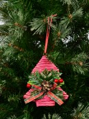 Red Twine With Green Foliage Christmas Tree Hanging Decoration - 13cm